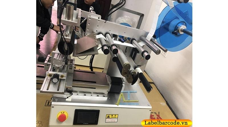 Máy dán nhãn đa năng tiện ích dán nhãn được hầu hết các sản phẩm đa dạng