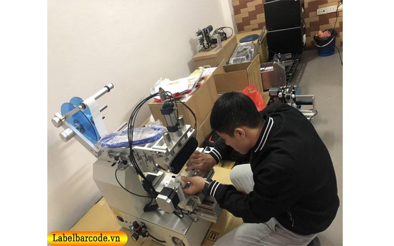 Hỗ trợ lắp đặt máy dán nhãn tại nhà , tư vấn hướng dẫn sử dụng máy dán nhãn 24/7 mọi lúc mọi nơi trên toàn quốc